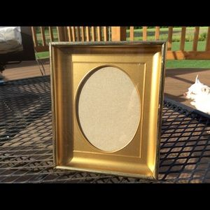 Vintage oval concave picture frame